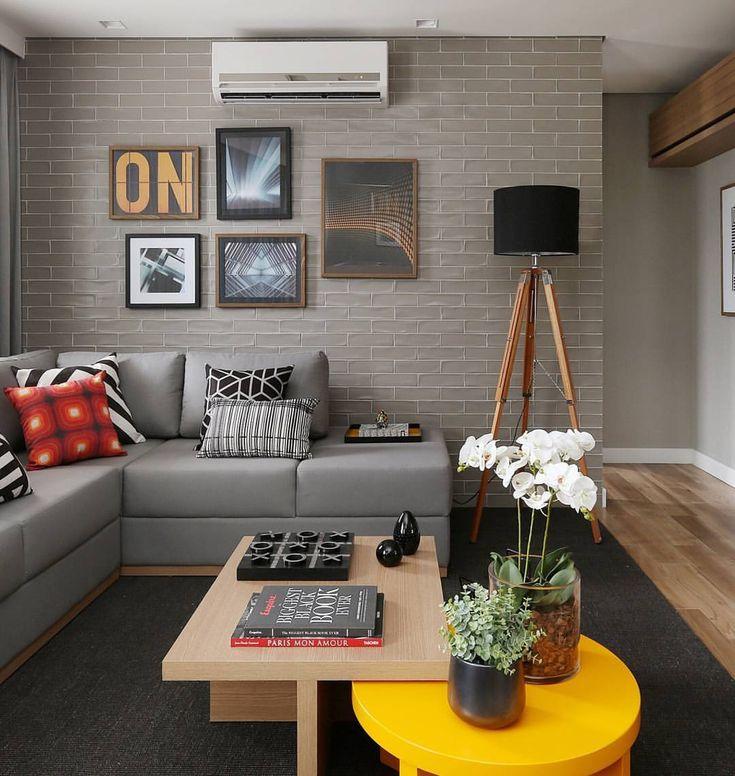 """Carolina Ouro Arquitetura no Instagram: """"Projeto de sala descolada para um casal…"""