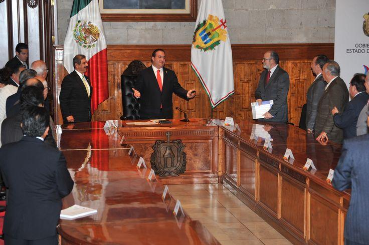 El gobernador Javier Duarte de Ochoa hizo un reconocimiento a los integrantes del Poder Judicial durante la firma del convenio con el Consejo de Coordinación para la Implementación del Sistema de Justicia Penal