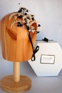 Flores de porcelana con hojas negras Luisa Gala