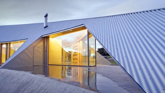 Multi-award winning Croft House Inverloch, Australia. Designed by James Stockwell Architects. Exterior is entirely clad in Rheinzink zinc.