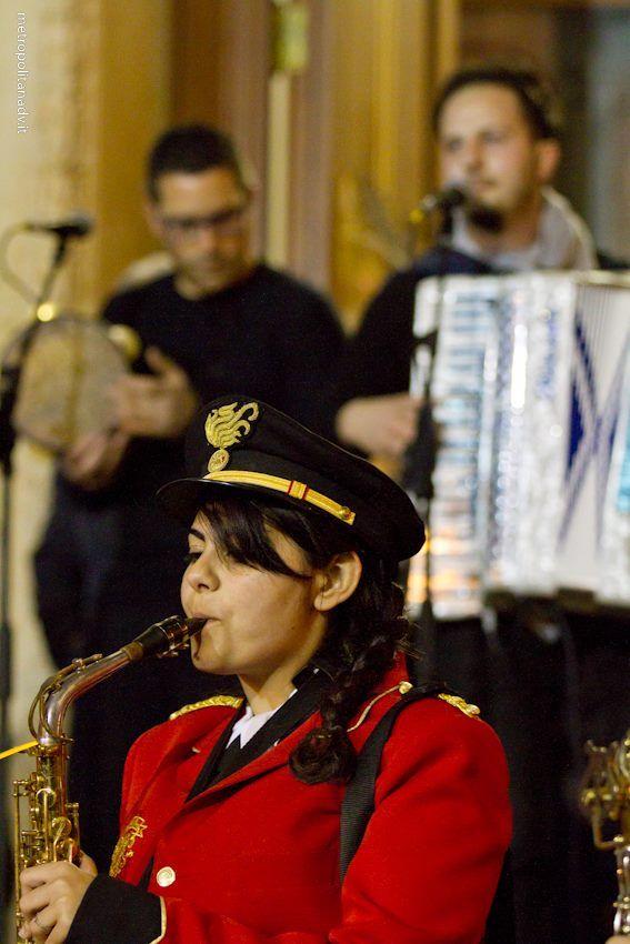 """Banda di Copertino, Melegari e Stefanizzi, eseguono il canto """"Lu Santu Lazzaru"""" a Sternatia (Le) il 5 aprile 2014. Info su http://www.cantidipassione.it"""
