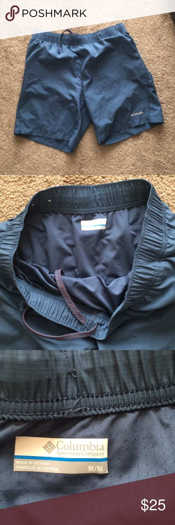 Columbia shorts Mesh underwear thing attached. My husband wore them a few times fishing. Great condition Columbia Shorts