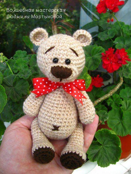 Подробное описание вязания медвежонка Тедди для любителей искусства амигуруми.