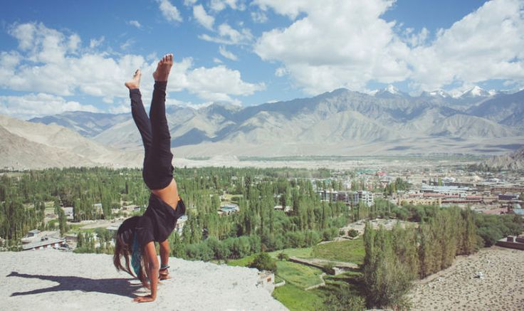 3 Simple Exercises That Will Help You Finally Nail That Handstand Hero Image