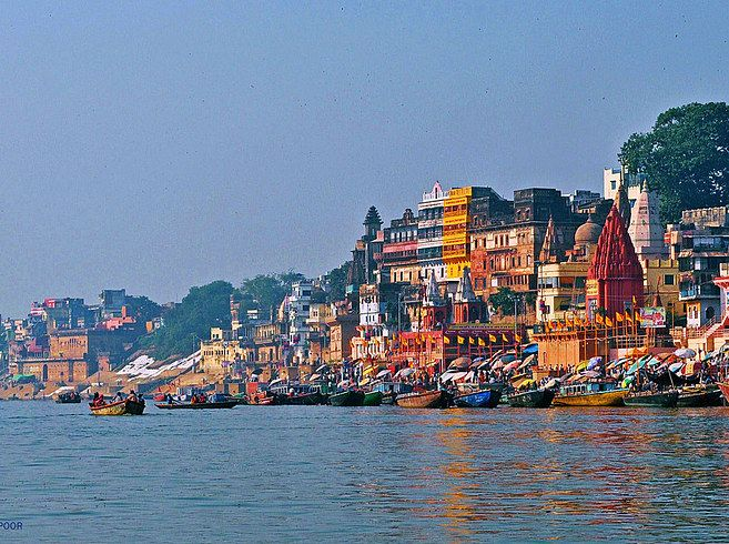Ghats in Varanasi | 16 Surreal Places That Make India The Most Beautiful Country In The World