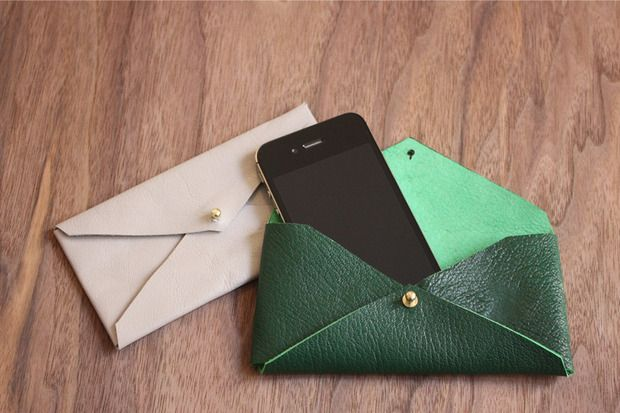 DIY: leather envelope phone case from for the makers.