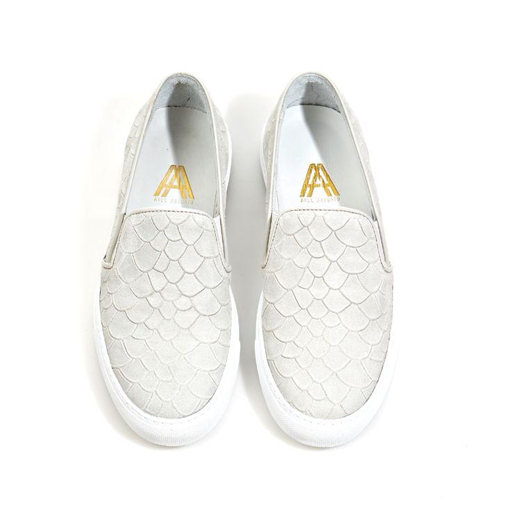 Axel Arigato bone white slip-on sneaker #axelarigato www.axelarigato.com