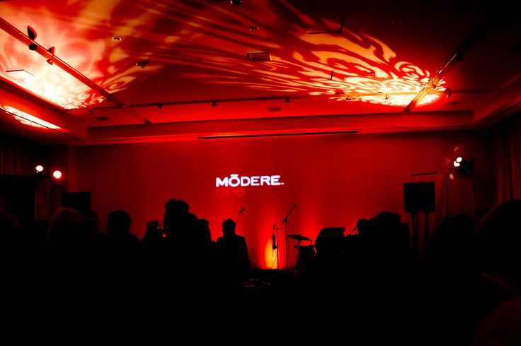 Taking the stage - ModereOne