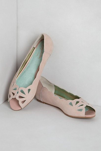 Hello, gorgeous! Mariposa Scalloped Peep-Toes | #Anthropologie