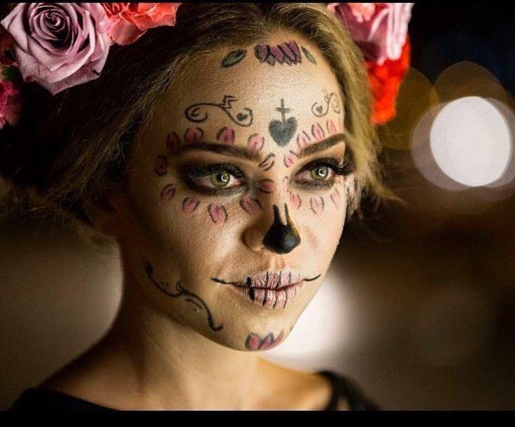 Catrina Make Up