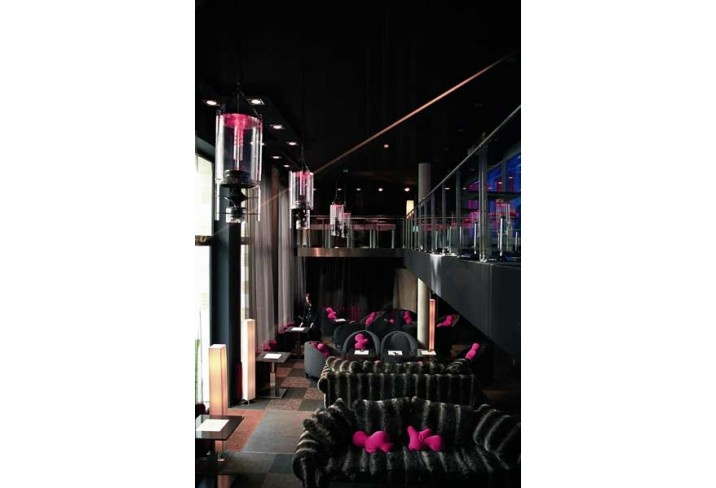 11 best sip in style images on pinterest luxury hotels for Kube hotel london