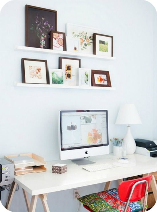 Lovely minimal desk