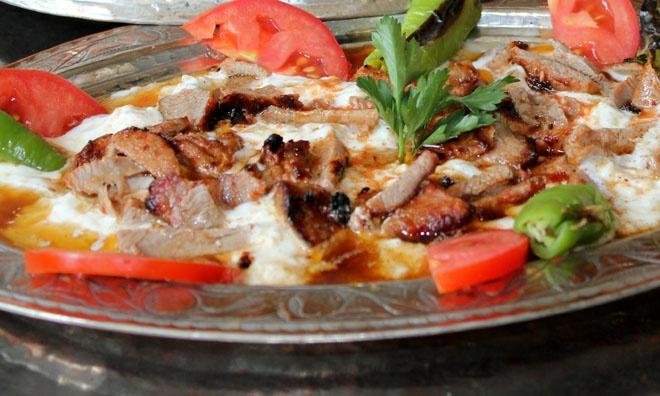 Ali Nazik Kebabı l Turkish Cuisine #turkishcuisine, www.yemekevi.tv, www.facebook.com/YemekeviTV, www.twitter.com/yemekevitv, www.youtube.com/user/fvayni