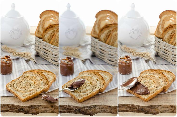 Le fette biscottate sono delle fette di pane leggermente zuccherate che vengono cotte due volte, dal francese &qout;biscottes&qout;. Nonostante contengano grassi, a differenza del pane classico che non contiene olio o strutto, sono molto ricche di nutrienti per la colazione del mattino. Il &qout;segreto&qout; perchè n…