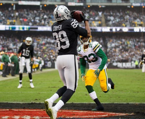 Amari Cooper hits 1,000-yard mark for Oakland Raiders
