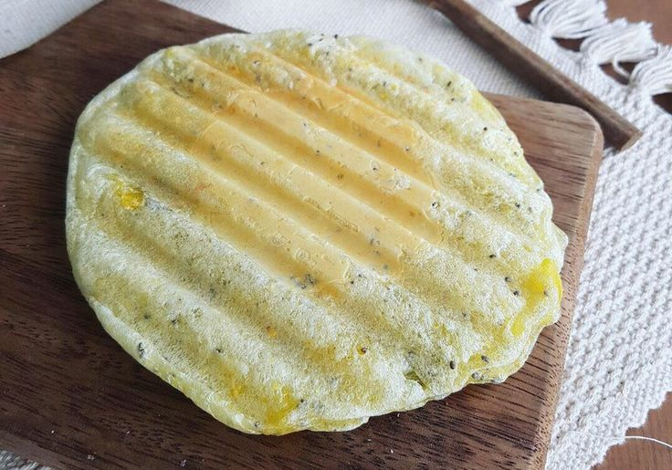 Falso pão de queijo no grill vai incrementar o seu lanche da tarde