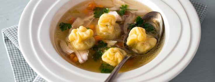 Kuřecí polévka s židovskými kreplach