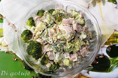 Di gotuje: Sałatka brokułowa z szynką i pestkami słonecznika