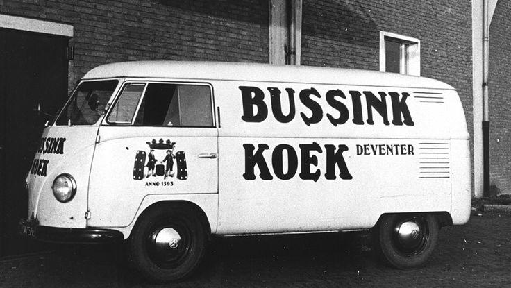 Volkswagen bus met Bussink Koek Deventer
