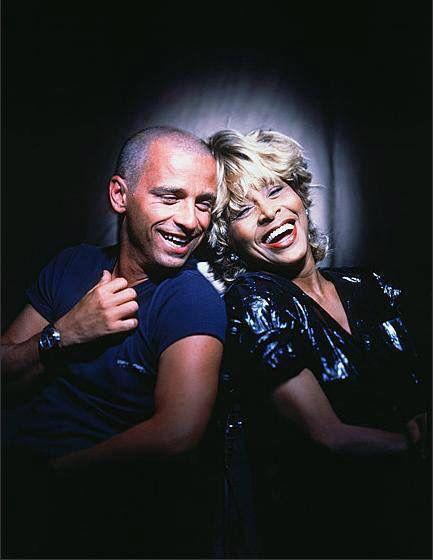 Tina Turner with Eros Ramazzotti : COSAS DE LA VIDA -1997- EROS RAMAZZOTTI TINA TURNER official: https://www.youtube.com/watch?v=jZIoxw0ca9E