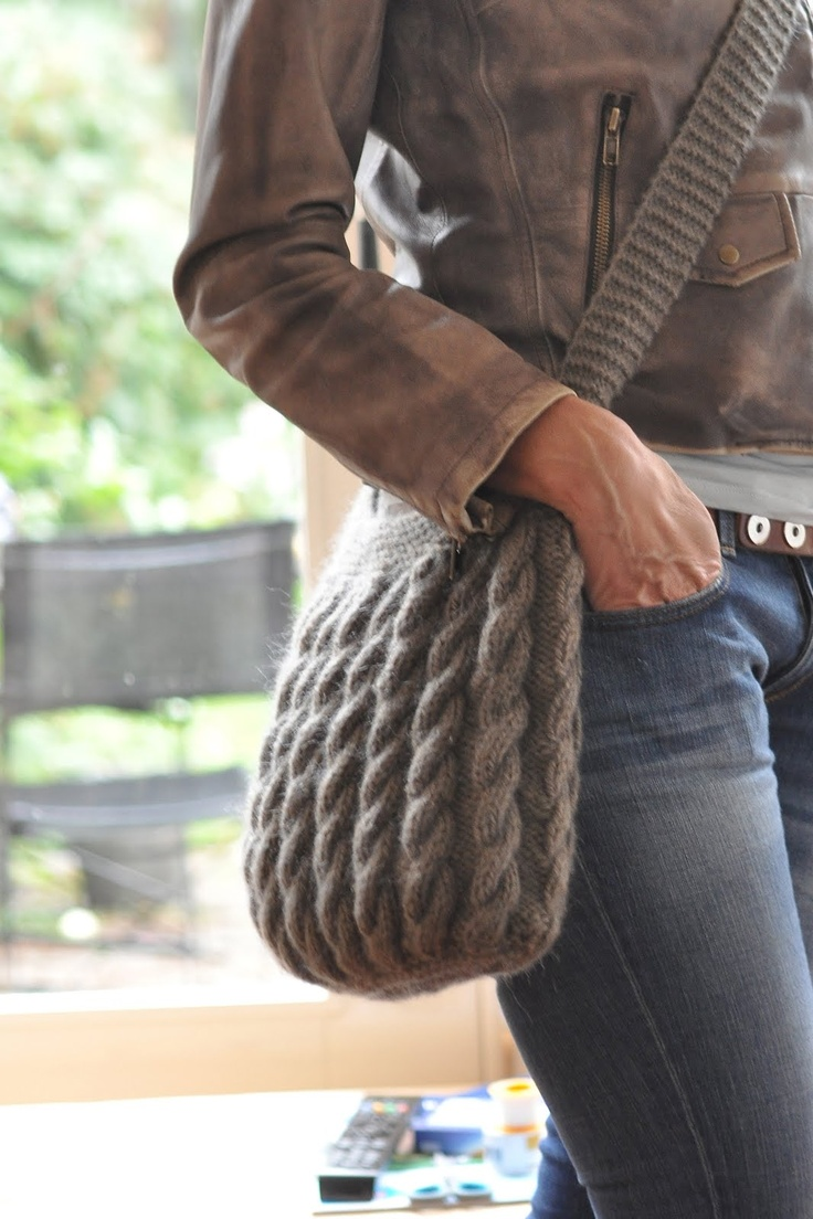 Very cute #knitted #purse
