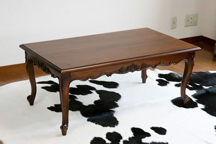 A beautiful handcrafted coffee table replicate the Victorian period antique coffee table. Four cabriole legs and whorl feet connected by foliage carving top aprons.