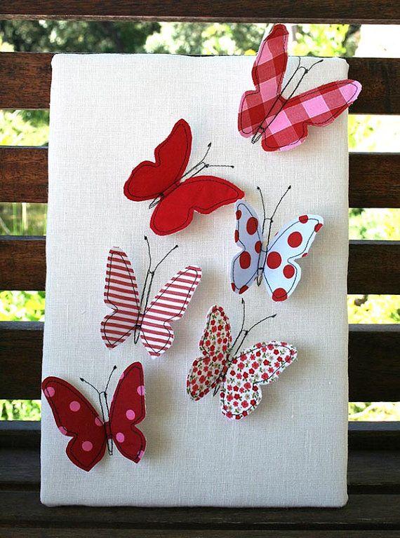 Cuadro de tela con Mariposas ideal para decorar habitaciones infantiles. Graymoonshop en Etsy, €18.00