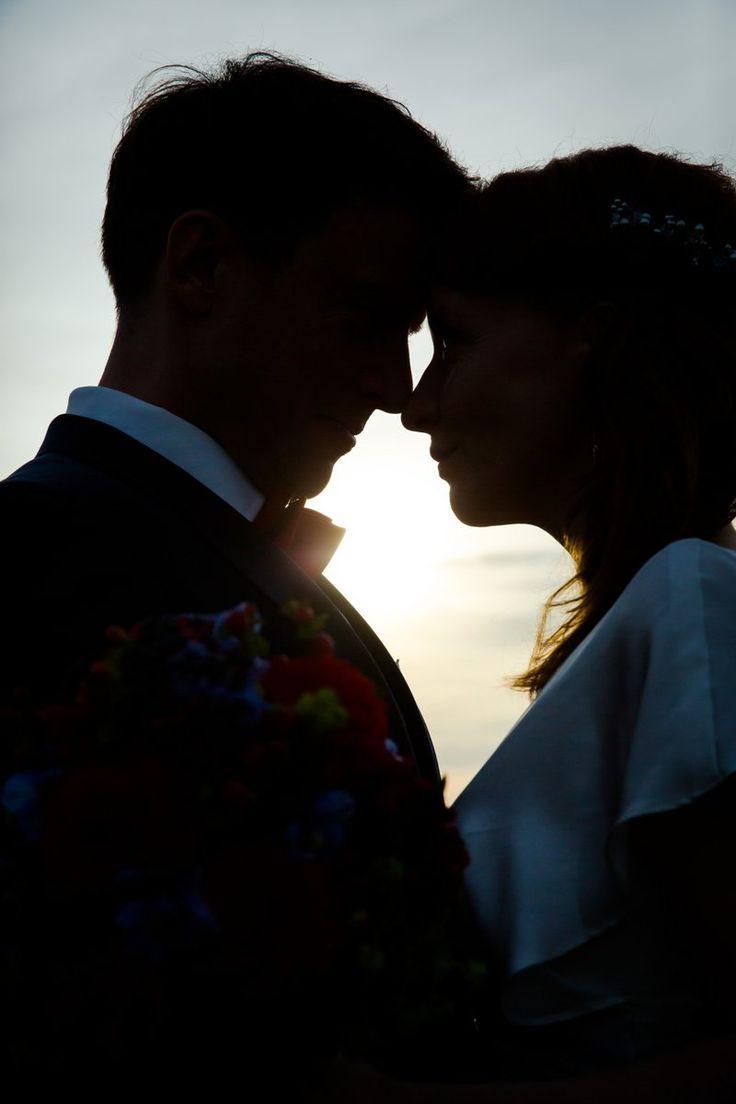 Hochzeitsfotografie im Sonnenuntergang #brautpaar #hochzeitspaar #wedding
