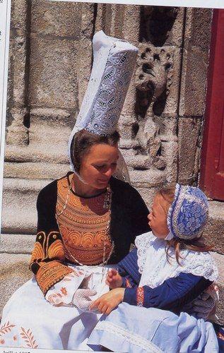 Mère et fillette bigouden