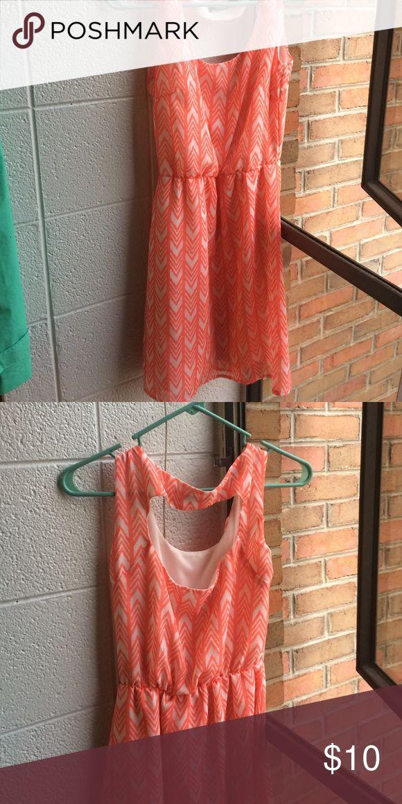 Coral Chevron Dress Open back coral/orange chevron dress. Feel free to ask questions! Wet Seal Dresses Midi