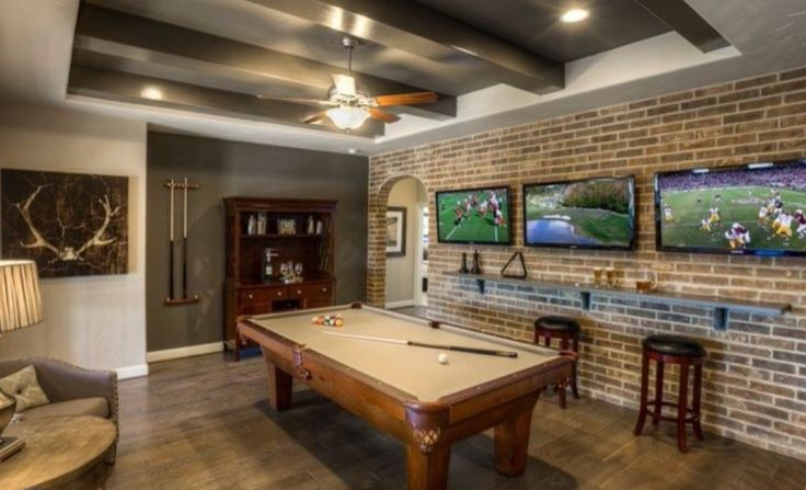 What guy wouldn't LOVE this space?!