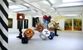 """Der Kunstraum Innsbruck ist kulturell ein wahrer Segen und hat mit """"Urbane Folklore"""" eine abwechslungsreiche und hochaktuelle Sommerausstell..."""