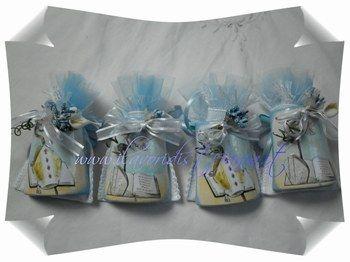 Bomboniere Cresima,tegolina in ceramica biscotto alta cm 8 dotata di cordoncino per poterla appendere,decorata a mano