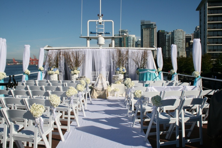 Keep it casual, or go all out. It's your day |The Wedding Yacht