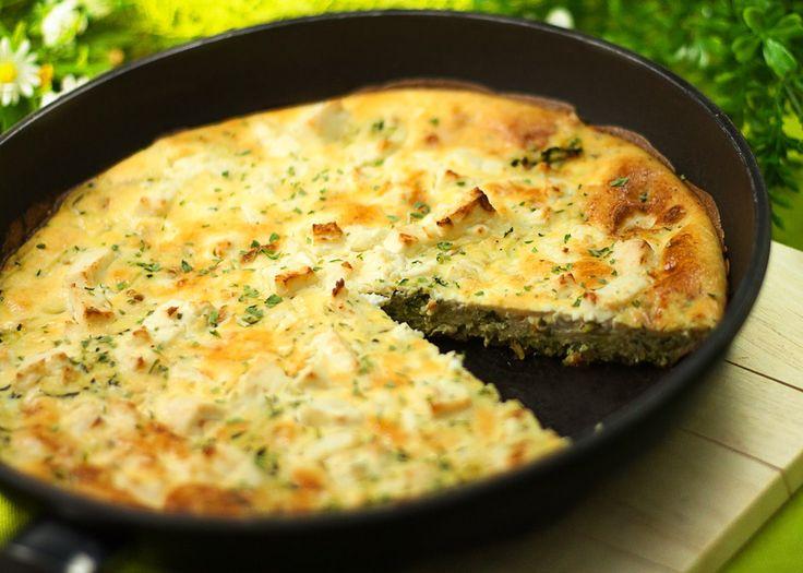 Diesmal gibt es ein leckeres Sommergericht das warm sowie kalt serviert werden kann. Die Zucchini-Frittata ist einfach zu machen und zudem low carb.