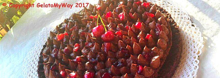 Avere un albero di ciliegie a portata di mano è pericoloso, perchè una tira l'altra; complici le basi dei miei adorati Maestri pasticceri (Massari e Santin), trasformarle in una torta estiva…