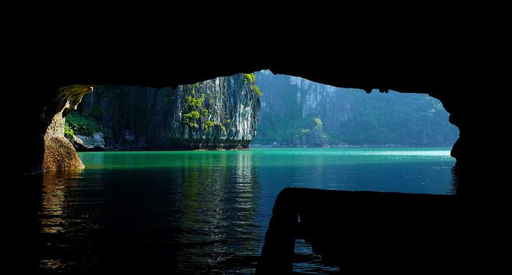 Some small cave in Ha Long Bay. #vietnam #halongbay #travel #wander #cave