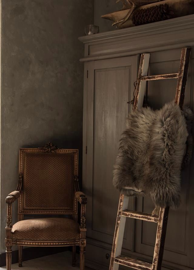 25 beste idee n over slaapkamer dressoir decoreren op pinterest slaapkamer dressoirs vintage - Kleur idee entreehal ...