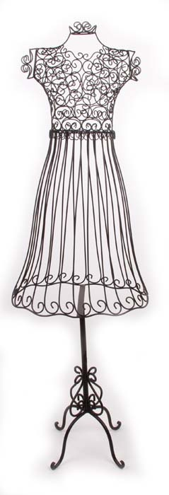 maison-18 black wire mannequin   I wouls SO put this in a corner of my living room and dress her up !