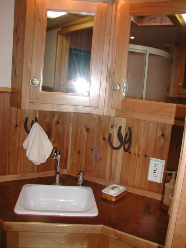 Living Quarter Horse Trailer Interior Options - EquineRV.com; great use of that awkward angle on the short wall