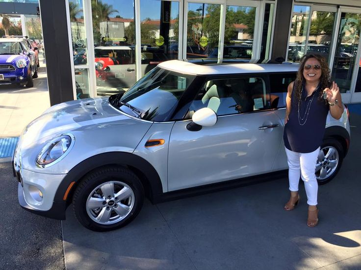 ms bosacki and her brand new 2015 mini cooper hardtop in white silver motoring advisor corey. Black Bedroom Furniture Sets. Home Design Ideas
