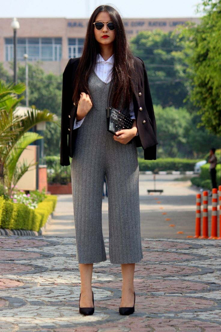 Singh: Flash is proud of this collaboration with RSR, an upcoming luxury clothing label named after its designer and owner, Rao Shruti Rathore. Shruti is a very talented fashion designer and stylis...