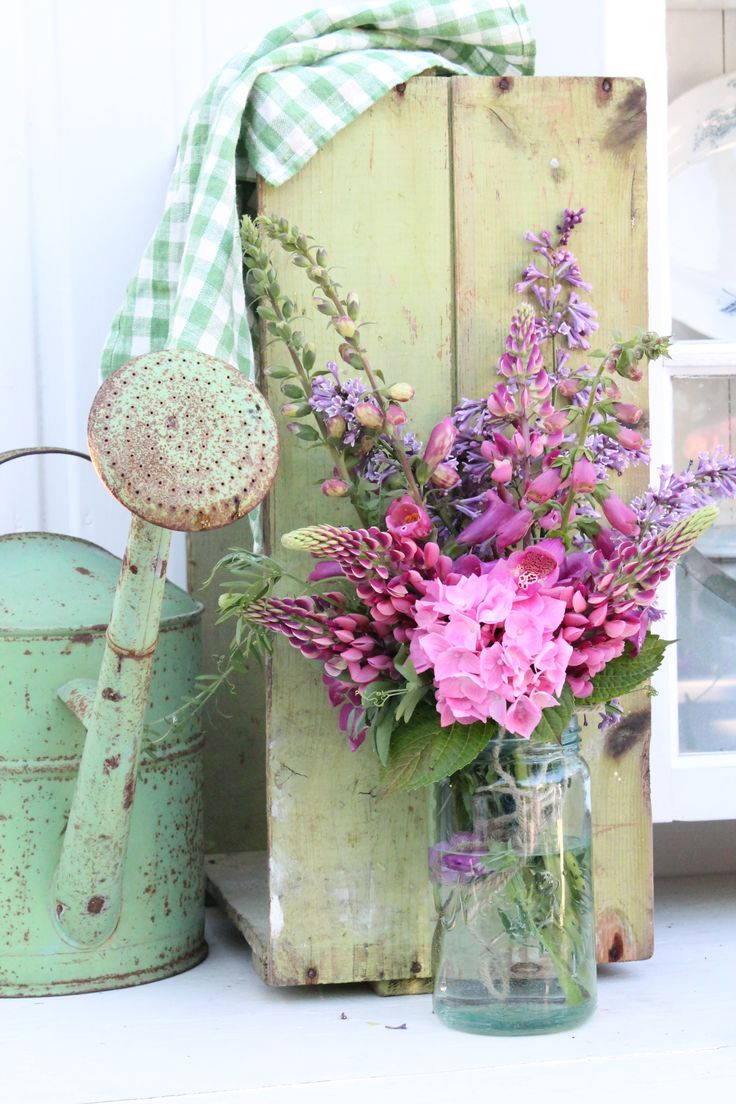 Pretty green watering can! Find great vintage garden finds @rubylanecom