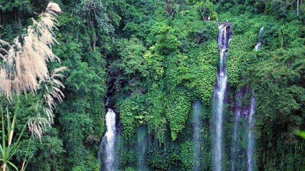 Tempat wisata air terjun sekumpul