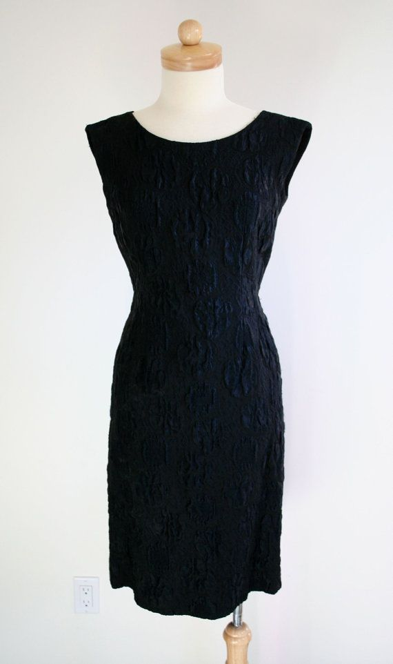 Sleevesless Black Tapestry Dress with Tail Detail and V Back Vintage 1950's size M or 6-8
