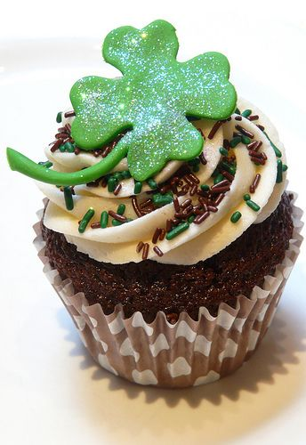 Happy St. Patrick's Day chocolate Oreo creme de menthe cupcake  @FoodBlogs