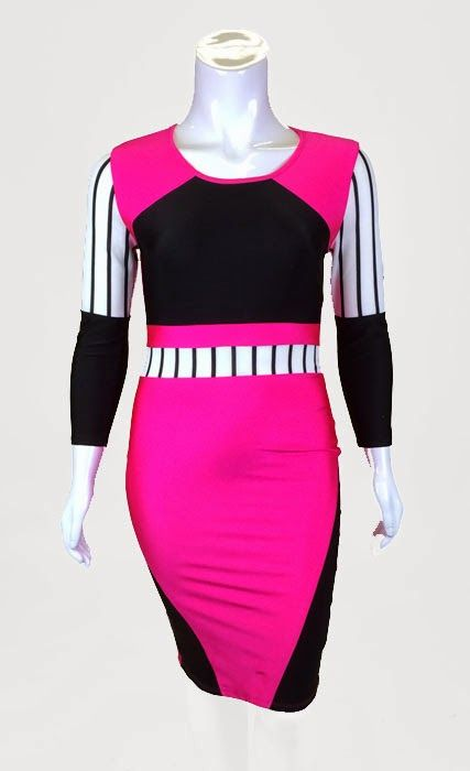Robe noire et rose Disponible en tailles 1x, 2x et 3x Prix: 60$ (ATTENTION: robe faite TRÈS petite)  Pink and black dress Available in sizes 1x, 2x and 3x Price: 60$ (BE CAREFUL: dress runs very small)