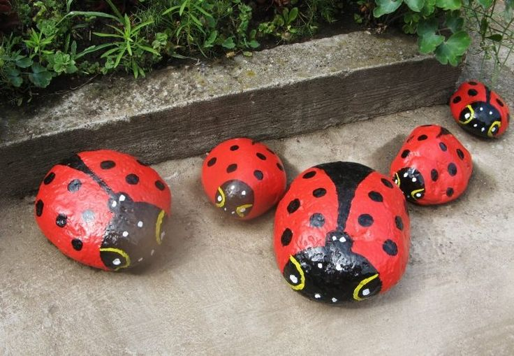 Bricoler en vieux objets devient un hobby toujours plus populaire. Mais ne vous imaginez pas un décharge de vieilleries! La décoration jardin en objets ...