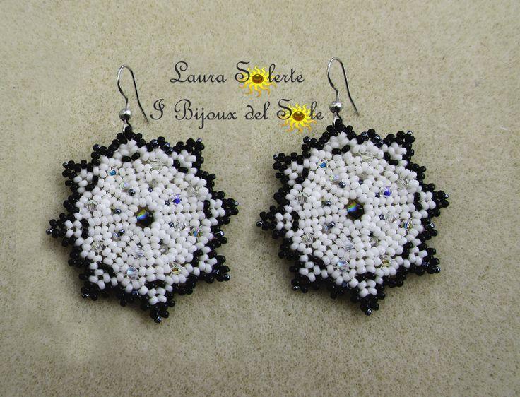 Orecchini Lucky Star con perline Miyuki e cristalli Swarovski. Prezzo 25 euro. Disponibile in vari colori.