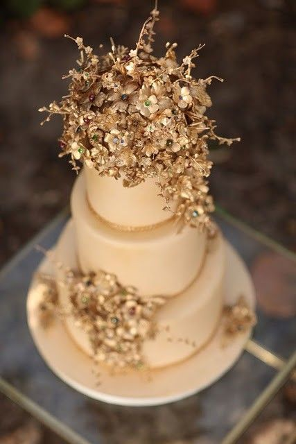 build a wedding cake buzzfeed 17 best images about winter wedding cakes on 12211